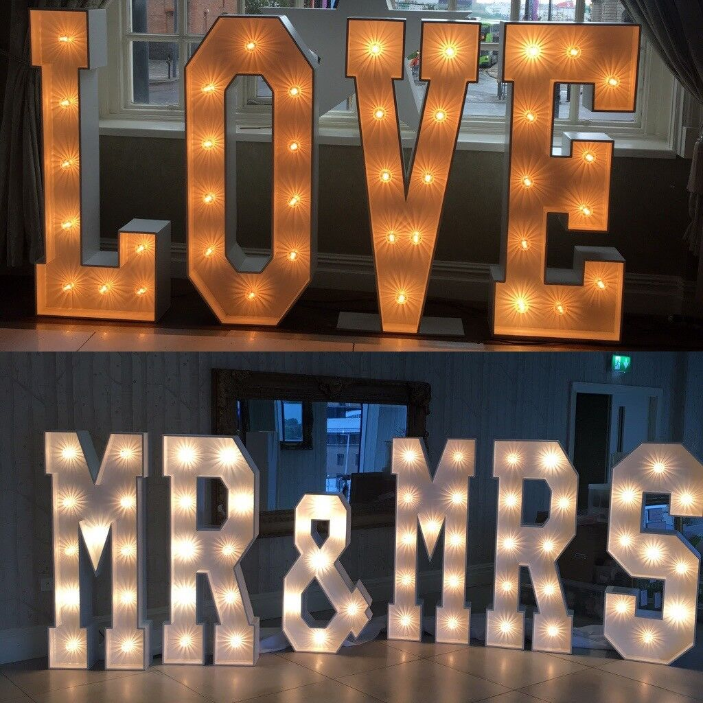 Hire our fabulous 5ft light up 'LOVE or