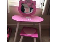 Hello kitty table & stool