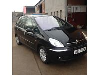 07 plate citreon picasso 1.6 desire 5dr in black 42500miles £2650