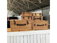6 Wicker Hampers, various sizes of baskets