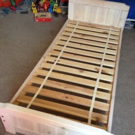 White wash wooden small !!! Single bed