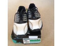 Junior studded golf shoes Size 2