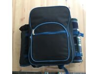 Picnic backpack for 4 people + cool bag with 4 gio style gel freezer blocks.