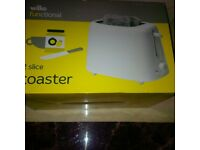 White 2 slicer toaster & George Foreman grill NEW