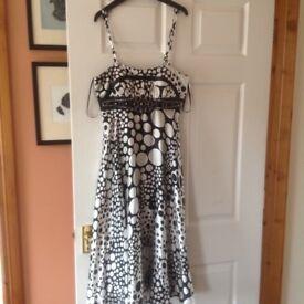 Black and white dress by Aruba size 8