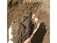 Quality Screened Topsoil BS3882 and Organic Compost