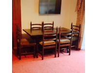Solid oak dinning table/ 6 chairs