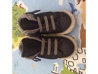 Converse Grey and Black Mid Hi-top Trainers / Turn Over Boots Kids Size 8
