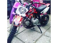 90cc Pitbike three gears all up semi auto clutch.