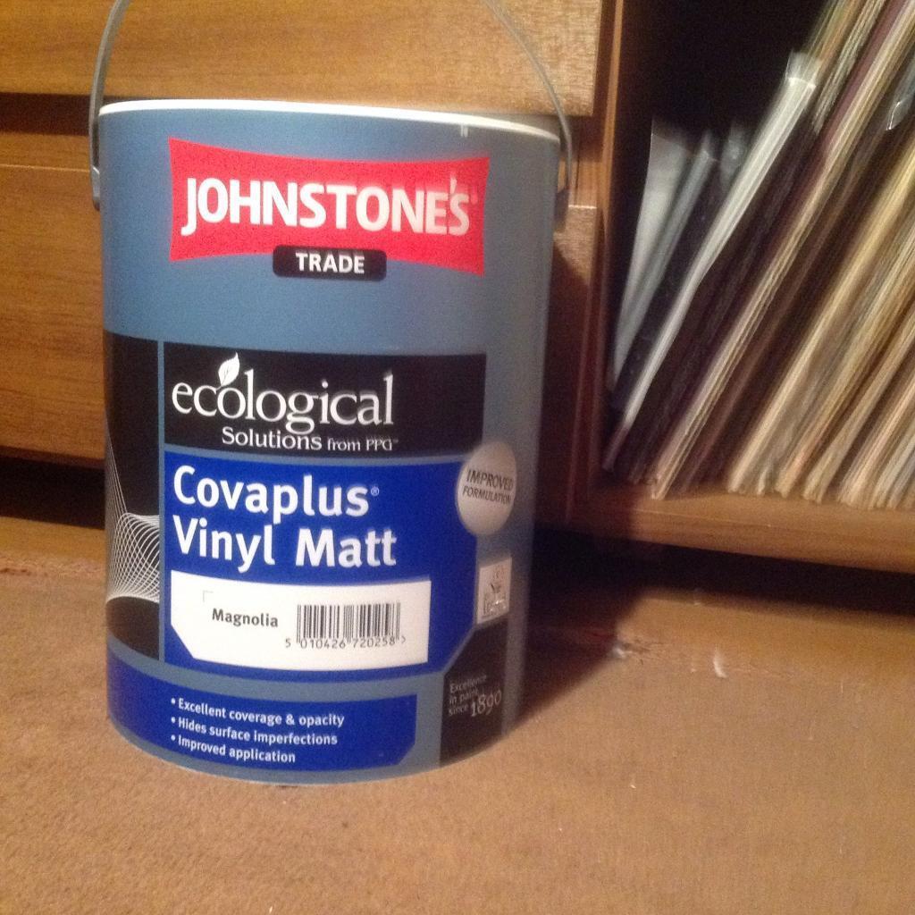 5 litres magnolia paint
