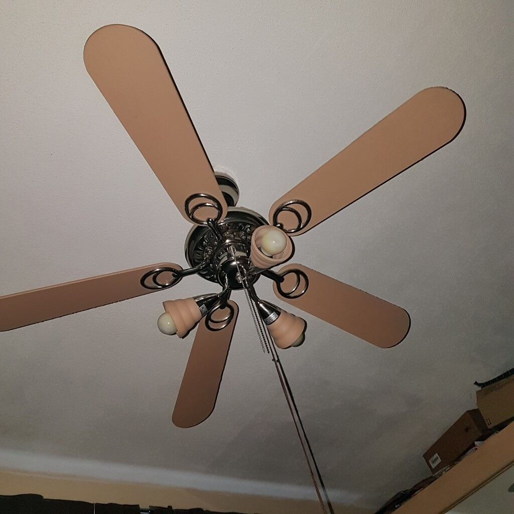 seling fan with 3 lights