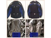 Waterproof motorcycle jacket 2XL with integrated back protection