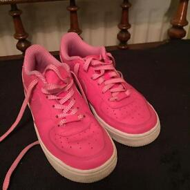 Nike trainers hardly worn ex condition