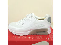 Nike Womens Air Max 90 Ultra Essential, Size UK 4