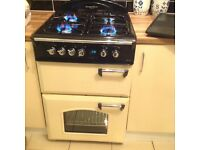 Range style cooker and matching hood