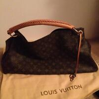 Authentic preowned Louis Vuitton Artsy Gm