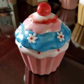 CERAMIC CUP CAKES