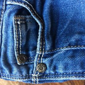 DKNY blue jeans age 6, worn but in great condition.