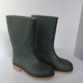 Green wellies size 2