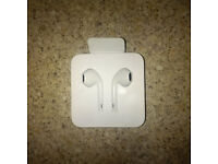 BRAND NEW - iPHONE 7 EARPODS - PLUS LIGHTNING CONNECTOR ADAPTOR - £15 ONLY