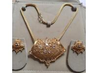 Indian Bollywood Costume Jewellery Necklace Set Chunky Gold Design Wedding Fashion