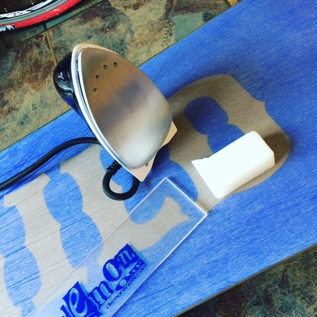 Snowboard/ski service (hot wax, edges, Repairs)