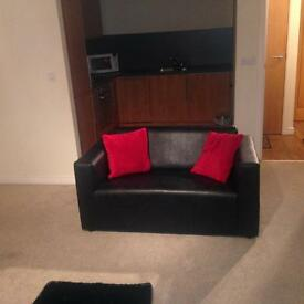 LUXURY SHORT TERM APARTMENT IN THR HEART OF CITY CENTRE, From £65/ Night, Weekly RentAvailable Now!