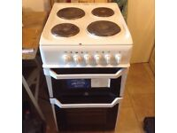 Freestanding electric oven, hob and grill - indesit