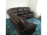 Lovely leather corner sofa with 2 manual recliners
