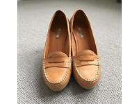 Geox light beige leather mocassin wedges - Size 36