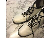 Dr Martens Docs 8 Eyelet White Smooth Boots, size 10 UK - RRP £110, selling for £35 ono