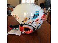 BRAND NEW Roxy 'Misty Girl' Ski / Snowboard Helmet. Girls size 54cm.
