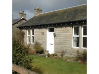 Delightful Country Cottage with Stunning views of 3 bridges in South Queensferry