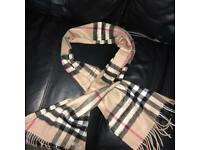 BARGIN !! Brand-New Unisex Burberry Classic Cashmere Scarf in Check (Camel)