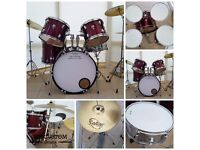 CB 5 PIECE BURGUNDY ROCK DRUM KIT WITH STANDS AND SABIAN CYMBALS