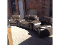 BROWN LEATHER 3 PIECE SUITE 2+1+1 IN EXCELLENT CONDITION FREE LOCAL DELIVERY AVAILABLE
