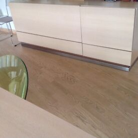 Pale oak sideboard in good condition from Spanish company Cadira, 2 door and 2 drawer