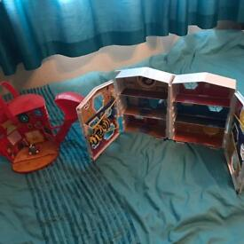 Excellent Condition The Hive Playsets including Figures