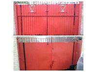 FREE DOUBLE RED METAL GATE DISMANTLED