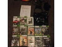 Xbox 360 slim / 3 controllers/13 games & mic