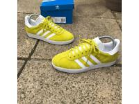 Adidas gazelle trainers size 5