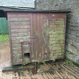 Second hand Hen house for sale