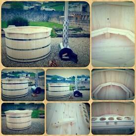 1.8m NEW Wooden Hot Tub for 6 or 7 people. EXTERNAL LARGE LOG BURNER. Wooden Jacuzzi.