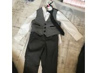 Boys suit. Used once. Really good condition. Age 3. I bought from debenhams