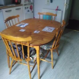 Classic Kitchen Table And 6 Chairs