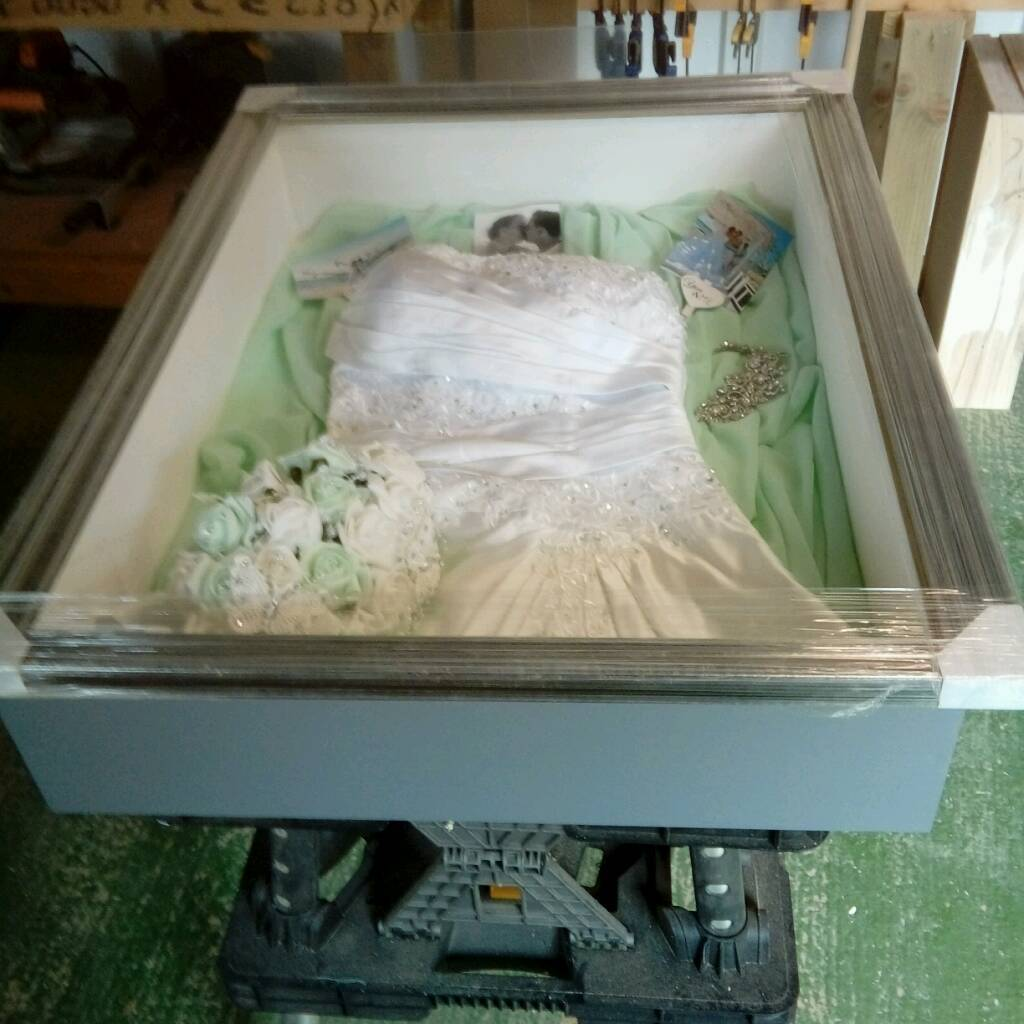 Wedding dress display box | in Bilsthorpe, Nottinghamshire | Gumtree