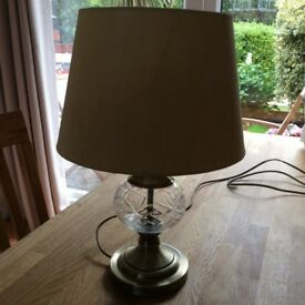 Table lamp lovely condition looks,like an oil lamp