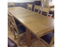 GRAND CHATEAU VINTAGE SOLID OAK EXTENDING TABLE AND 8 CHAIRS
