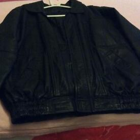 Men's leather bomber jacket size L