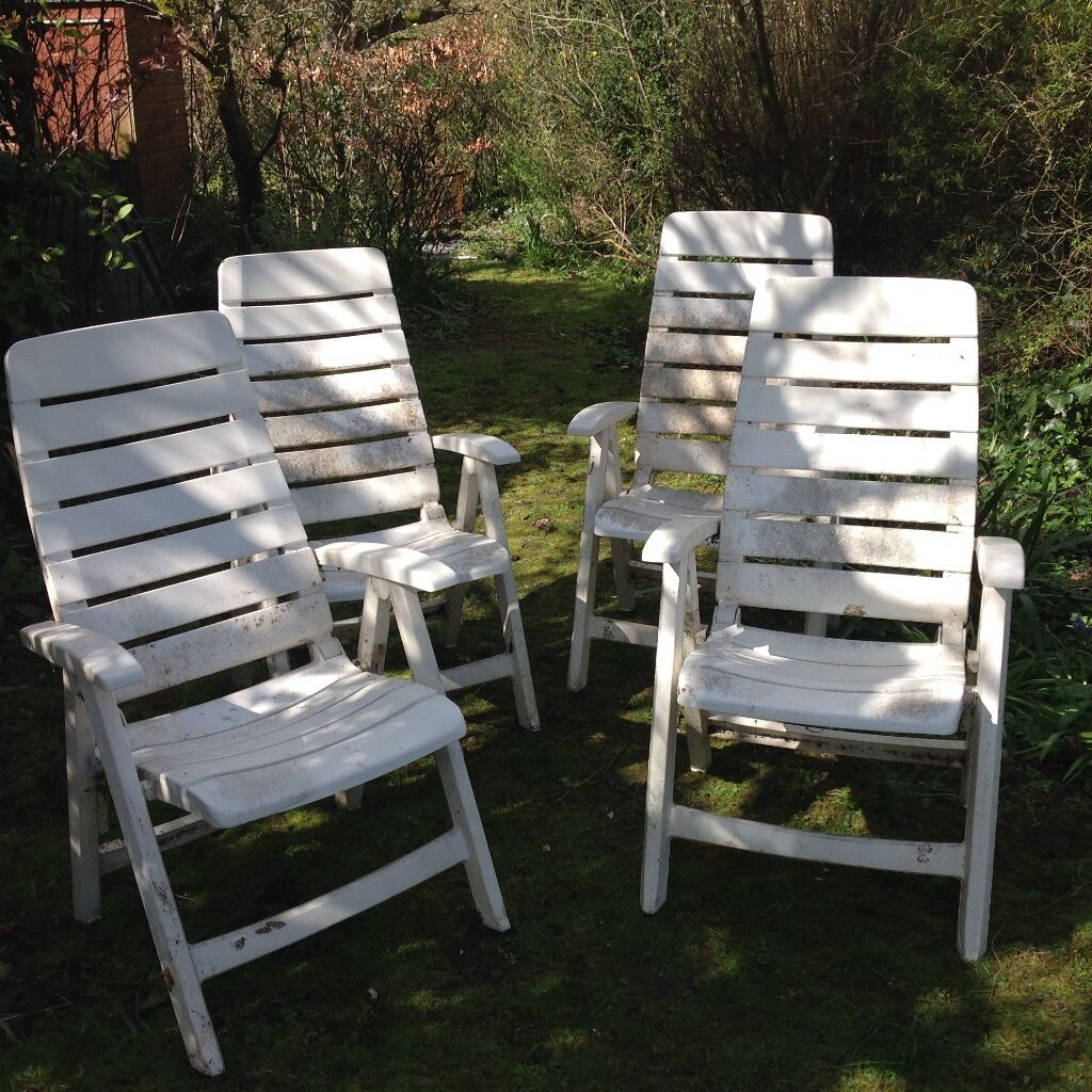 4 white plastic recliner garden chairs in aylesbury for Outdoor furniture gumtree